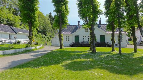Alvoen Country Mansion - In an Idyllic Old Industrial Village