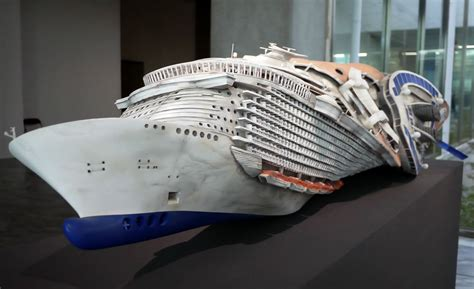 Artist is 3D Printing a 26 Foot Long Boat in 100,000