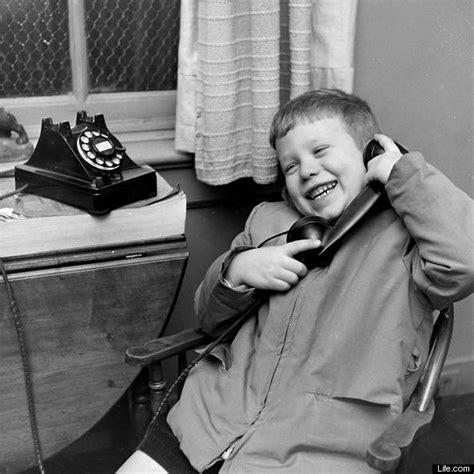 Kids Talking To Santa In 1947: Rare Pictures From Life