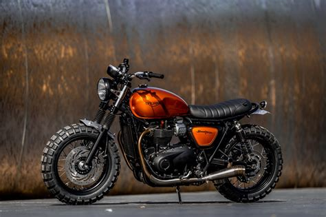 Down & Out Motorcycles   TRIUMPH STREET TWIN